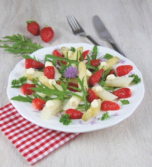 Rohkost Rezept: Spargel-Erdbeeren-Salat - Für Eine Gesunde Ernährung