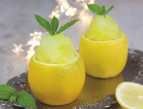 Selbstgemachtes Zitronen-Sorbet